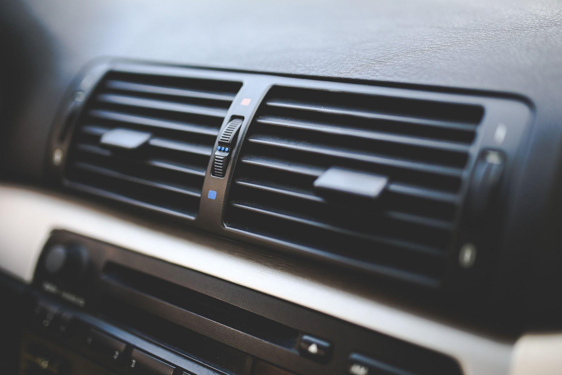 trucos-quitar-humedades-coches