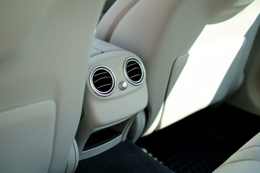 Como quitar cualquier tipo de mal olor en el coche