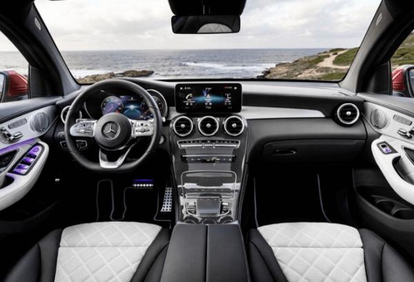 Mercedes GLC 4matic tablero | Total Renting