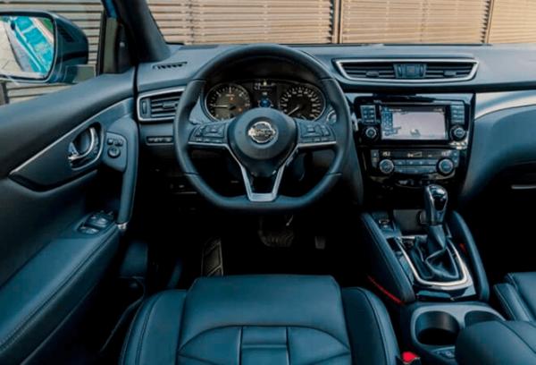 Nissan Qashqai tablero | Total Renting