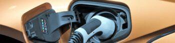 Cinco datos clave en los que fijarse antes de comprar un coche eléctrico