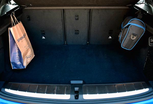 BMW X2 Sdrive18d maletero   Total Renting