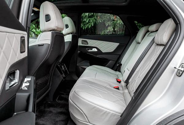 Ds7 Crossback 1.6 E Tense 225 Grand Chic Auto interior | Total Renting