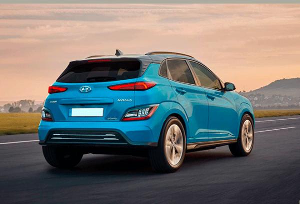 Hyundai Kona 150 kW EV 72 kW Tecno 2020 atras | Total Renting