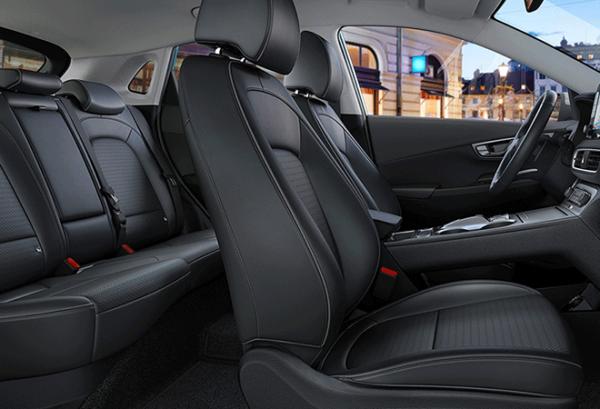 Hyundai Kona 150 kW EV 72 kW Tecno 2020 interior | Total Renting