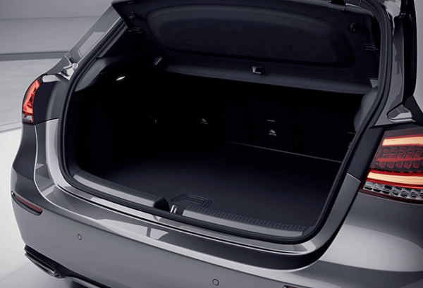 Mercedes Clase A 250 E maletero | Total Renting