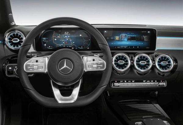Mercedes Clase A 250 E tablero | Total Renting