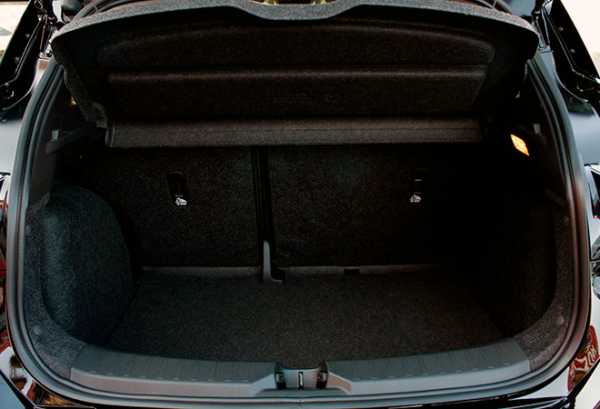 Nissan Micra ig maletero | Total Renting