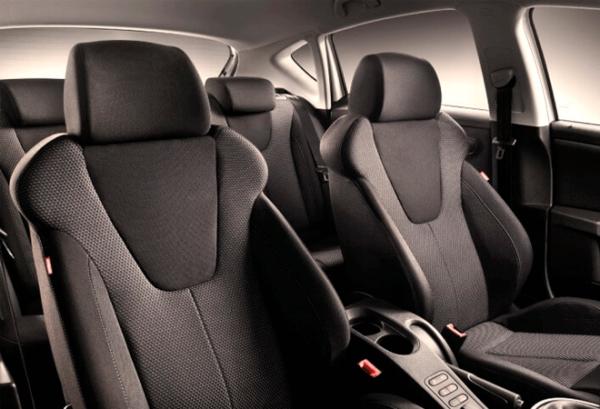 Seat Nuevo Leon E Hybrid interior | Total Renting