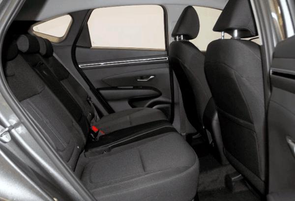 Hyundai Tucson 1.6 TGDI HEV Maxx Auto interior | Total Renting