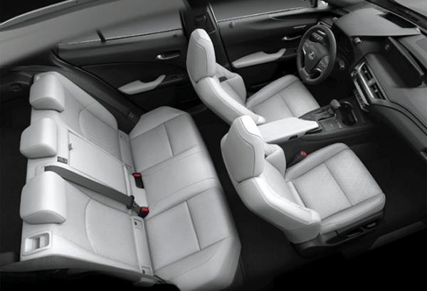 Lexus UX 250H 4X2 Premium interior | Total Renting