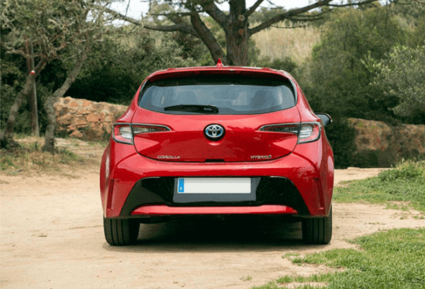 Toyota Corolla 125H Active Tech atras | Total Renting