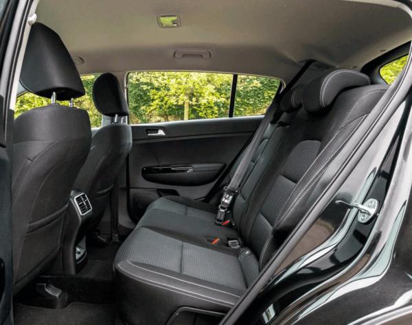 Kia Sportage 1.6 MHEV Drive Plus 136CV 4x2 interior | Total Renting