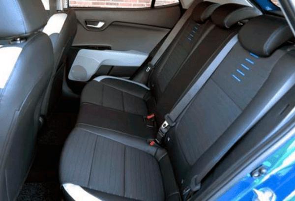 Kia Stonic 1.0 Gdi MHEV Imt Drive interior | Total Renting