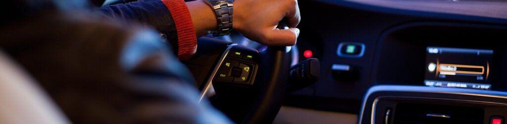 Conectar el móvil al coche por bluetooth está cada vez más de moda