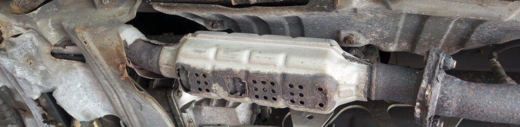 El catalizador de los coches sirve para reducir las emisiones
