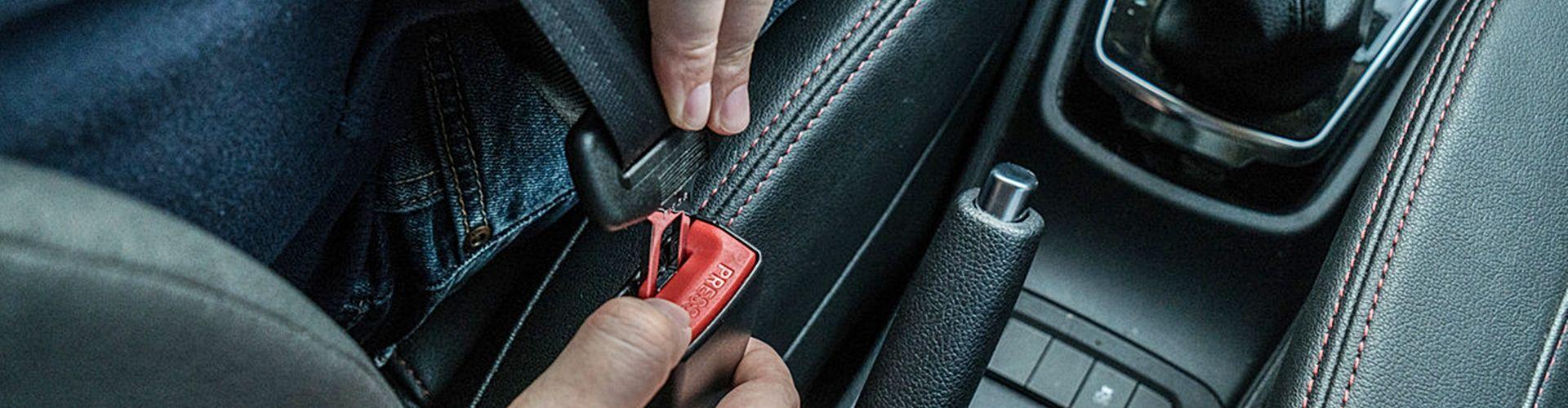 como-quitarse-cinturon-seguridad